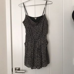 F21 Romper with Drape and pockets SZ M